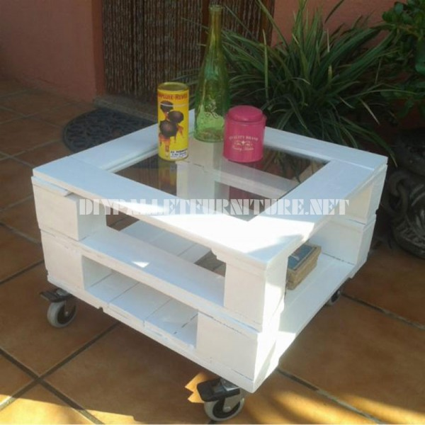 Outdoor side table made with pallets 2