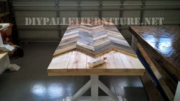 Outdoor table and benches made of pallets 4