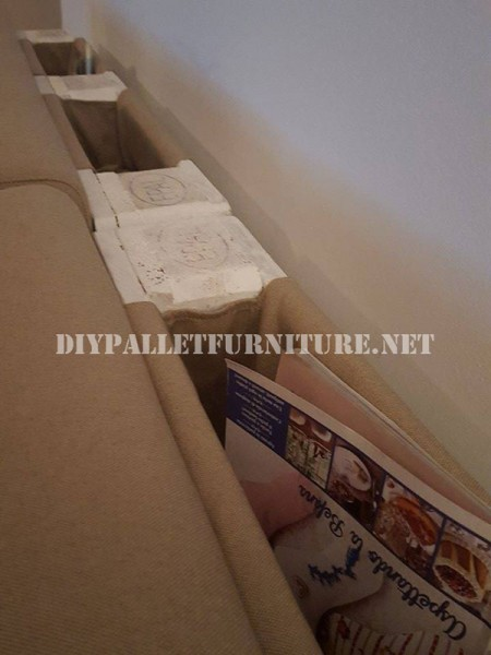 sofa and magazine rack with pallets 3
