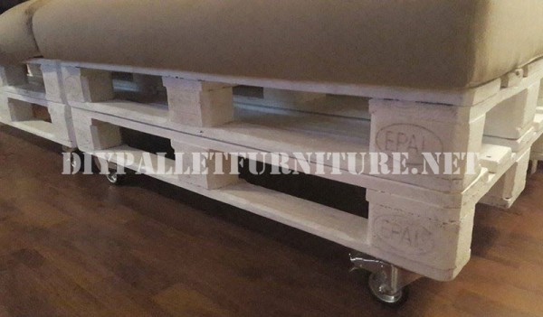 sofa and magazine rack with pallets 4