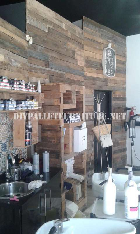 Barber decorated using pallet planks 2