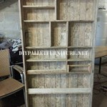 Bookcase made with pallet planks