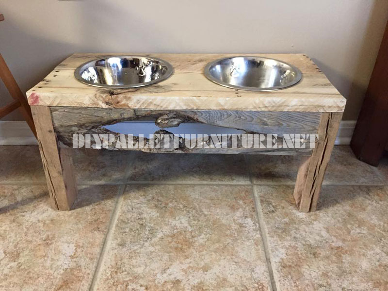Food and water bowls for dogs made with reclaimed wood 1