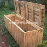 Outer box with pallets