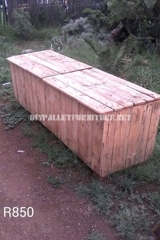Outer box with pallets 2