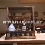 Shelf liquor with a pallet