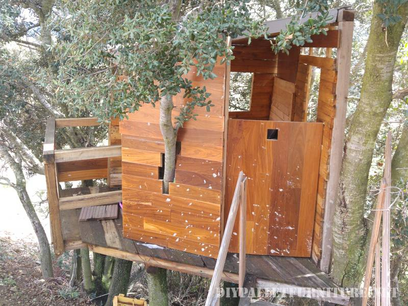 A treehouse with pallets 2