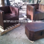 Armchairs and table-trunk with pallets