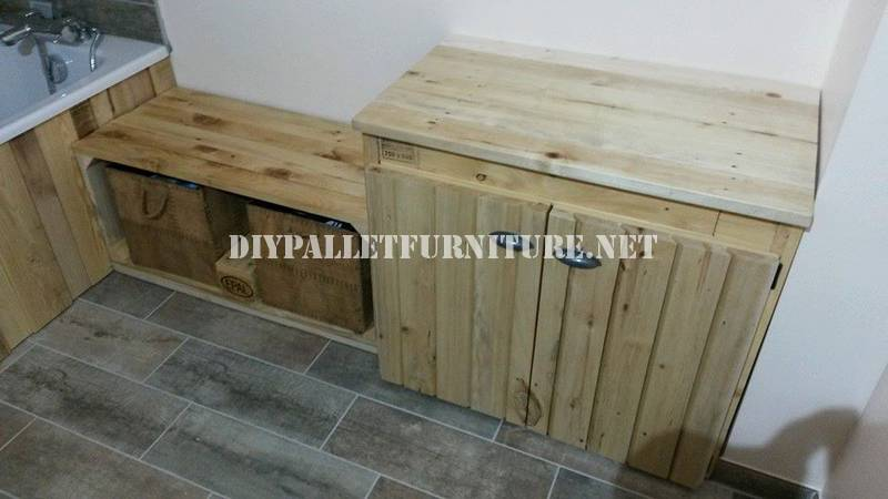 Bathroom furnished with pallets 4
