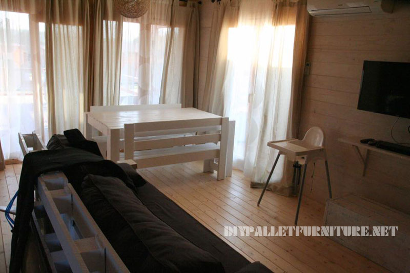 Chalet in Alentejo fully furnished with pallets 1