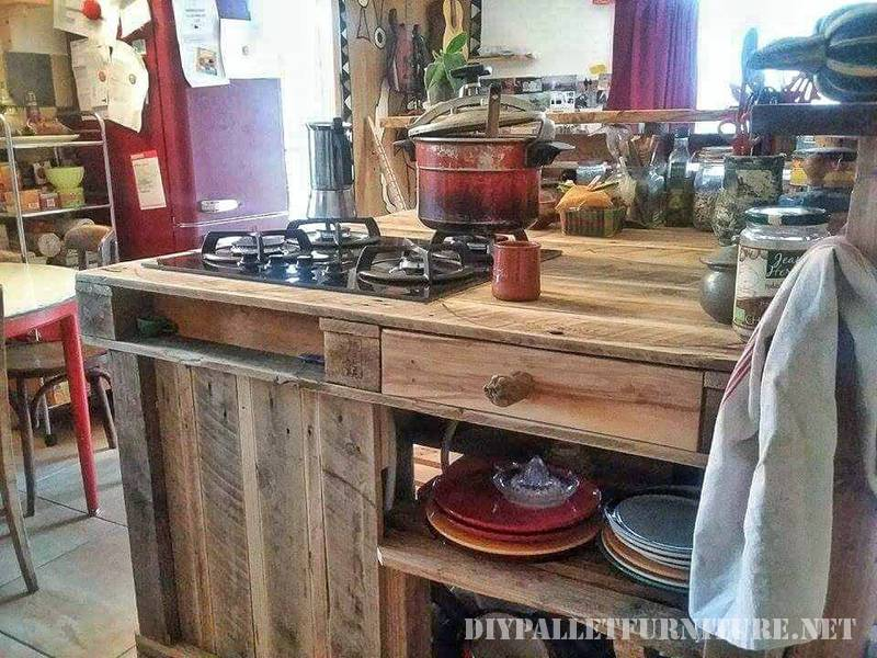 Kitchen island made with pallets 1