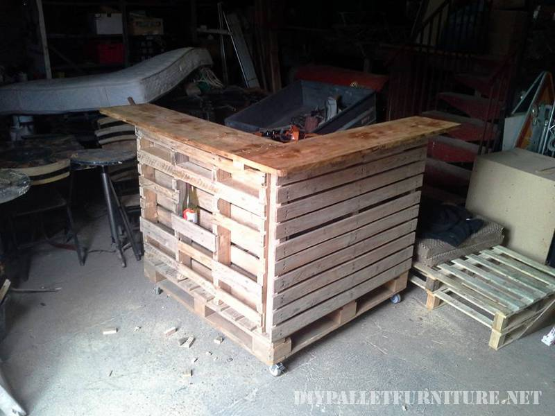 Kitchen island made with pallets 7