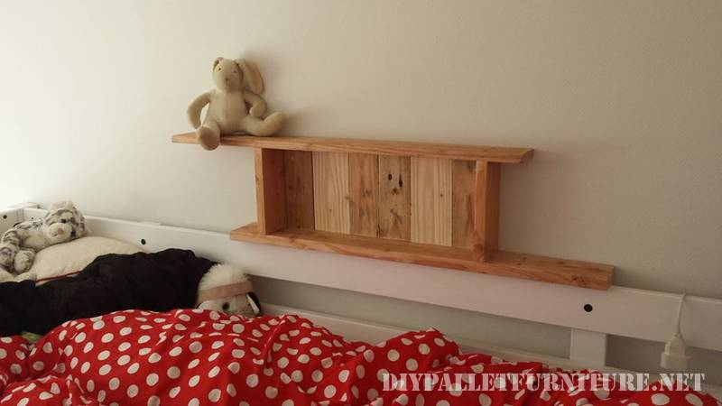 Shelves for a bedroom made of pallets 1
