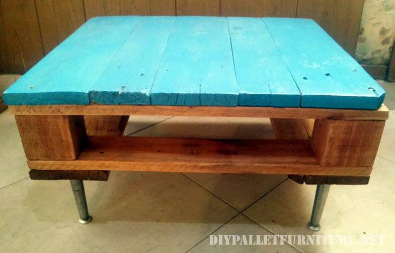 Small table with a pallet 1