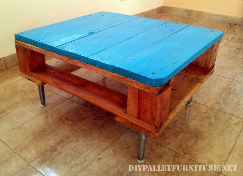 Small table with a pallet 2