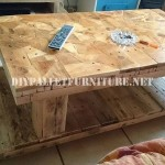 Table built with wooden pieces
