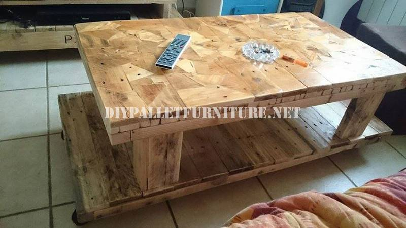 Table built with wooden pieces 1