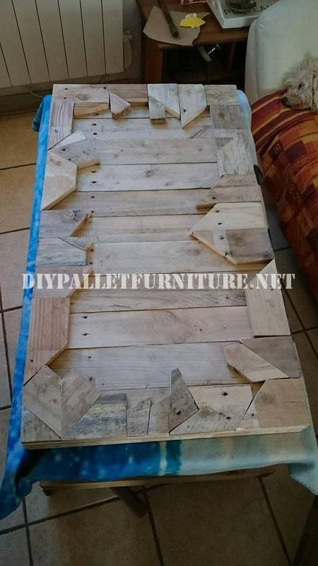 Table built with wooden pieces 3