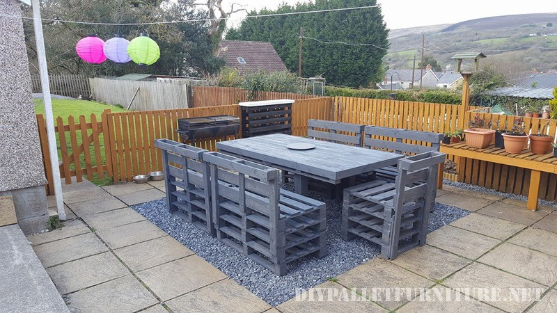 Garden dining set of a table and chairs 1