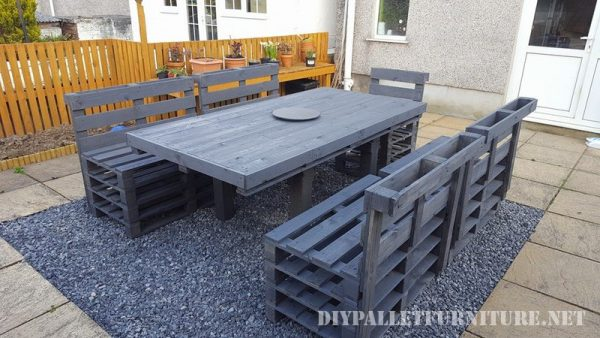 Garden dining set of a table and chairs 2