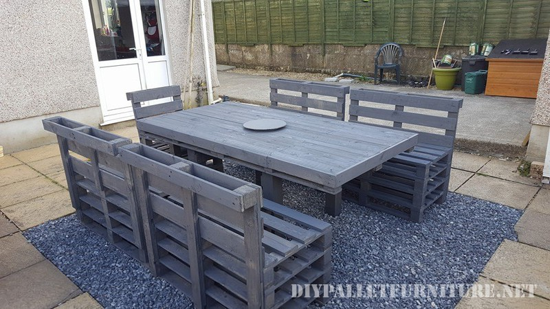 Garden dining set of a table and chairs 3