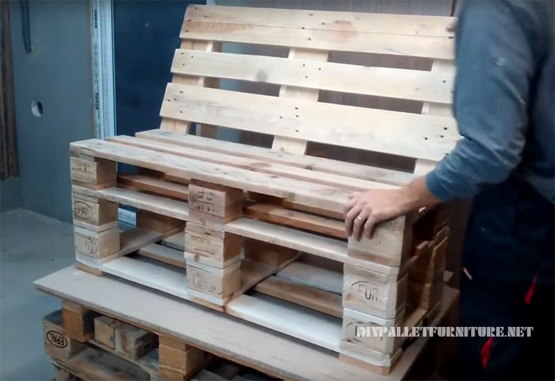 how to make a sofa with pallets 1diy pallet furniture