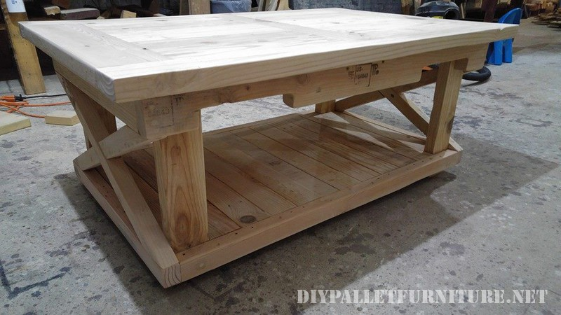 Pallet table and bench 3