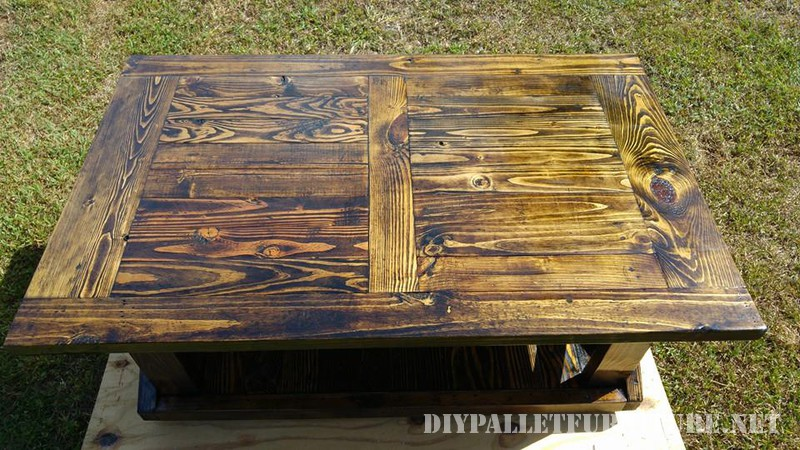 Pallet table and bench 4