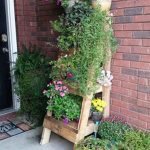Ladder to put plants made with pallets