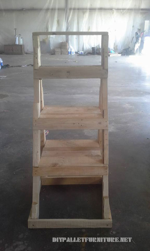 Ladder to put plants made with palletsdiy pallet furniture - Estantes para plantas ...
