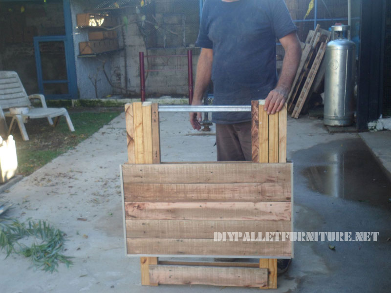 folding table with pallets 1
