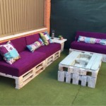 Pallet sofas and a table