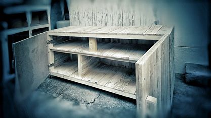Small closet for the living room made using pallets 2