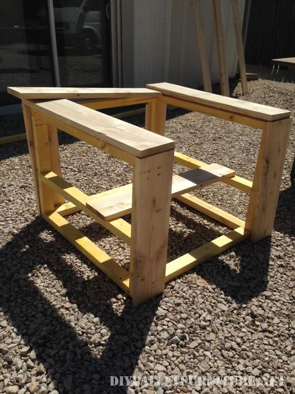 Armchair with pallets 2