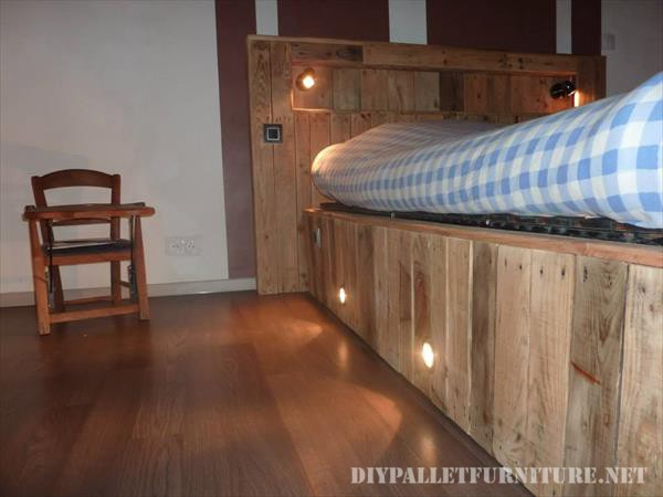Bed made with pallet planks and a matress 5