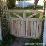 Door of an enclosure for the garden made with pallets