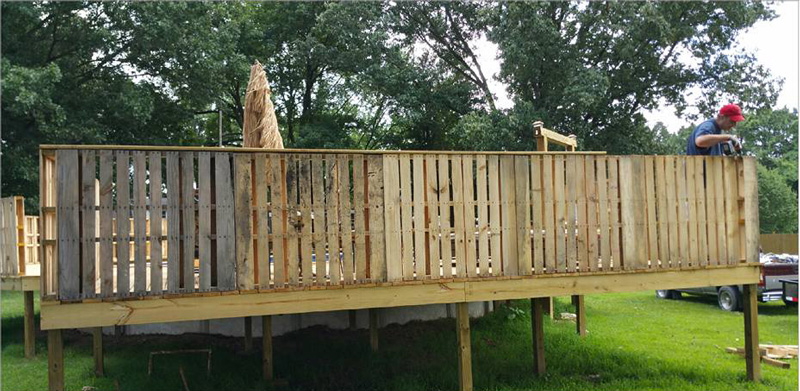 Pallet fencing for a pool 1