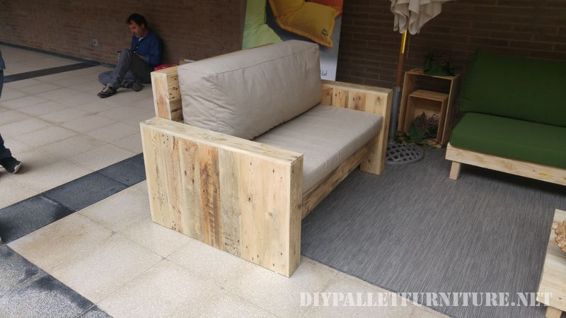 Sofas and armchairs with cushions from recycled origin 1