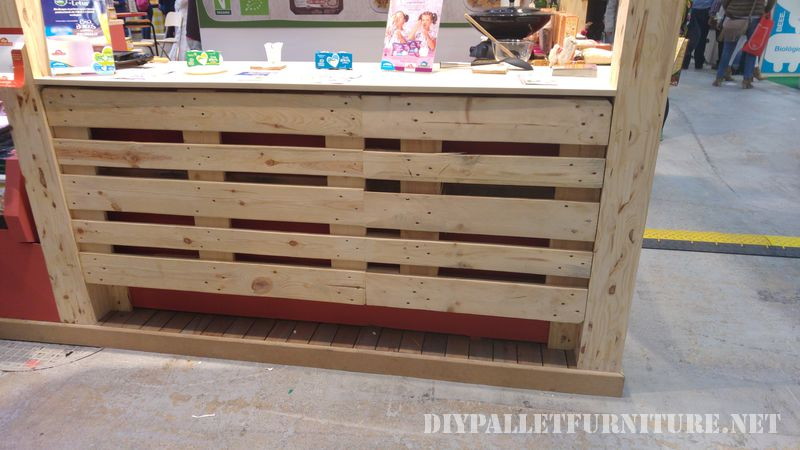 Stand at the fair Biocultura decorated with pallets 2