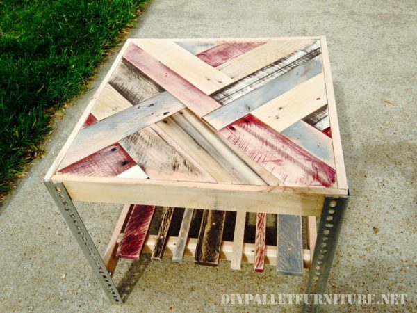 Tables with borders made of pallets 5