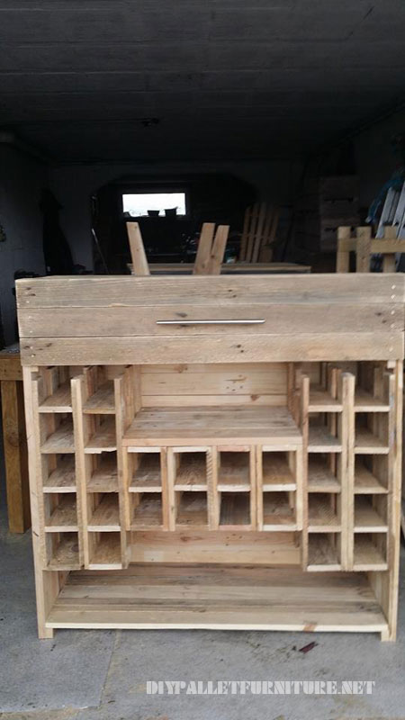 Wine rack and drawers with pallets 1