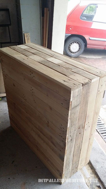 Wine rack and drawers with pallets 3