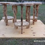Little pallet stools