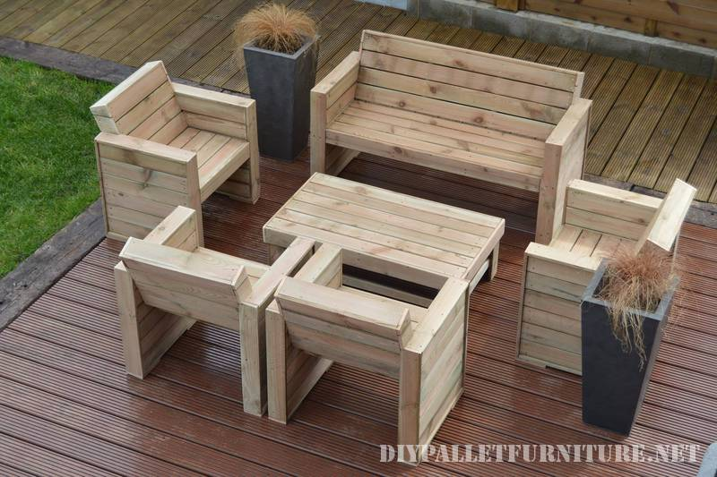 Furniture for the terrace with pallets 1