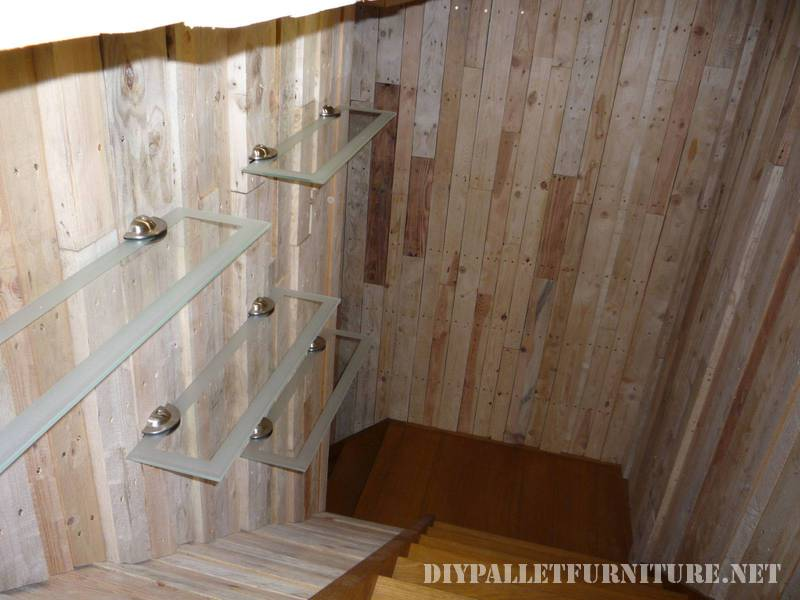 Great bathroom made with pallets 1