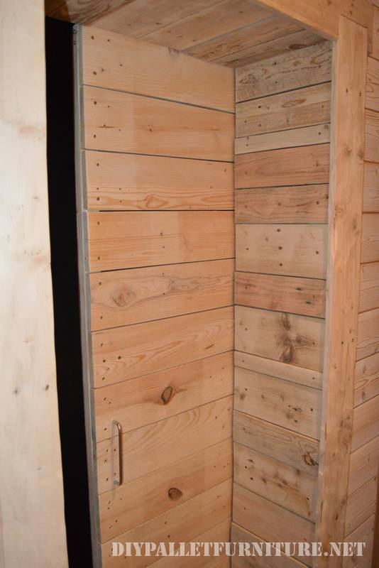 Great bathroom made with pallets 4