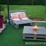 Outdoor folding armchair with pallets