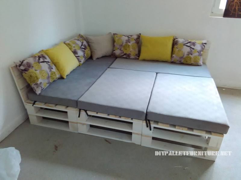 pallet sofa puff and table convertible into a beddiy pallet furniture diy pallet furniture. Black Bedroom Furniture Sets. Home Design Ideas