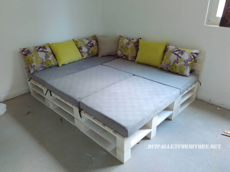 Pallet sofa, puff and table convertible into a bed 3