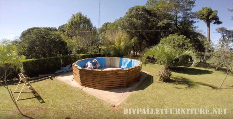 Video of how to build a pool with pallets 3